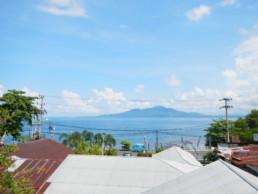 Manado met zicht op Bunaken